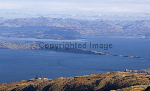 Loch Linhhe, the southern tip of the island of Lismore, and the mainland hills from the east ridge of Mainnir nam Fiadh, Isle of Mull.  The Torosay transmitter mast and Duart Castle are below.  Picture Credit: Alan Gordon /Scottish Viewpoint Tel: +44 (0) 131 622 7174   Fax: +44 (0) 131 622 7175 E-Mail : info@scottishviewpoint.com This photograph cannot be used without prior permission from Scottish Viewpoint. Scotland,Scottish,Highlands,Mull,Munros,Corbetts,mountains,peaks,hills,loch,sea,coast,mast,transmitter,castle,mountaineering,walking,climbing,trekking,backpacking,outdoor,activities,tourist,destinations,scenic,Mountains Islands Mull,Places Scotland Mull -