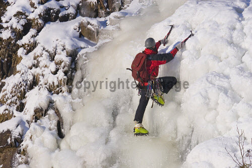 Ice Climbing on the Grey Mare's Tail, Dumfries & Galloway. Picture Credit: Jason Baxter  / Scottish Viewpoint  Tel: +44 (0) 131 622 7174  Fax: +44 (0) 131 622 7175  E-Mail : info@scottishviewpoint.com  This photograph cannot be used without prior permission from Scottish Viewpoint. frozen,waterfall,ice,climb,climbing,sport,adventure,dangerous,danger,extreme,winter,snow,activity