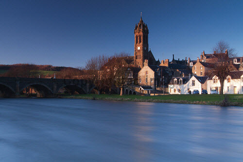 Peebles and the River Tweed, Scottish Borders. Picture Credit : Keith Fergus / Scottish Viewpoint  Tel: +44 (0) 131 622 7174  E-Mail : info@scottishviewpoint.com  Web: www.scottishviewpoint.com This photograph cannot be used without prior permission from Scottish Viewpoint. 2012,winter,sunny,religion,old,parish,church