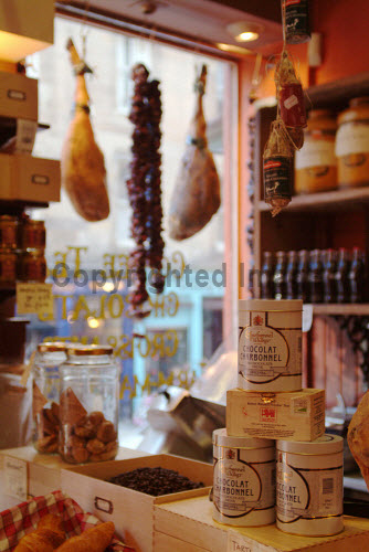 A DETAIL OF AN ASSORTMENT OF PRODUCE ON SALE IN THE OLD TOWN COFFEE ROASTERS ON VICTORIA STREET, EDINBURGH. PIC: RICHARD CAMPBELL/SCOTTISH VIEWPOINT Tel: +44 (0) 131 622 7174   Fax: +44 (0) 131 622 7175 E-Mail : info@scottishviewpoint.com This photograph can not be used without prior permission from Scottish Viewpoint. DELICATESSEN,SPECIALISED,SHOP,RETAIL,INTERIOR,FOOD,FINE FOODS