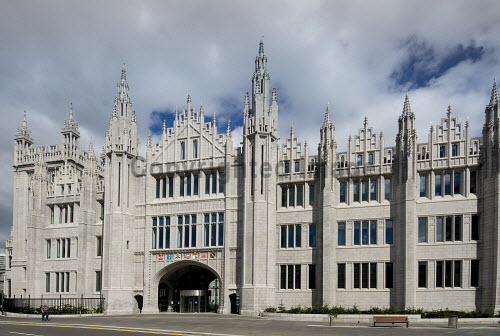 The impressive granite facade of Marischal College in the city centre of Aberdeen. summer,sunny,sunshine,office,offices,architecture,architectural,building,buildings,council,spire,spires