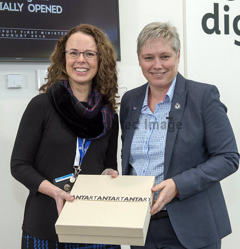HIE DataFest 2018   Gillian Docherty DataLab CEO presents Theresa Swayne for HIE with gift for her work on Data  PIC  Trevor Martin/HIE 2018,Datafest,#HelloDigital