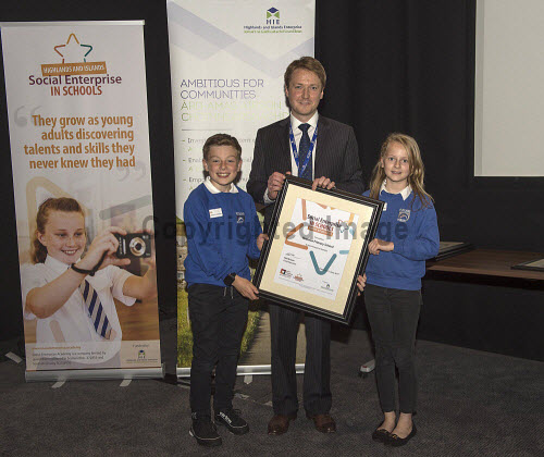 Social Enterprise in Schools Awards 2017 Eden Court Theatre Inverness  Pupils of Poolewe Primary School  get their award from Peter Guthrie from HIE      PIC   Trevor Martin/HIE 2017,schools,school,pupils,pupil,awards,award,social,enterprise