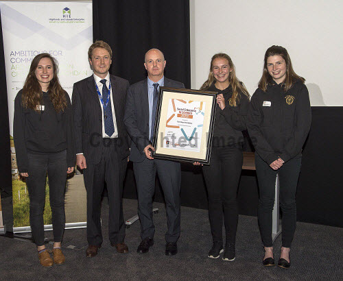 Social Enterprise in Schools Awards 2017 Eden Court Theatre Inverness  Pupils of Tain Royal Academy get their Sustainability Award from Peter Guthrie from HIE and Colin Miller from SQA for their work with the Highland Hospice    PIC   Trevor Martin/HIE 2017,schools,school,pupils,pupil,awards,award,social,enterprise