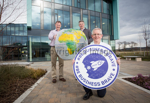 Selling Online  LTR at back Stephen Whitelaw and David Gass holding the globe, Ewan Ramsay holding the logo   Picture Credit Alison White/HIE 2018,inverness,campus,#BeBusinessBrave
