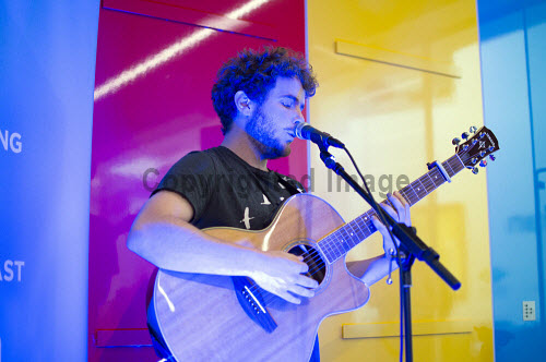 Moteh Parrot at XPONORTH 2017,singing,singer,guitar,creative industries,xponorth