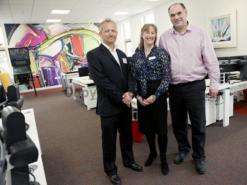 Dunoon - 24.2.17 - Fairmile Opening  The official opening of Fairmile Building, Dunoon.   Pictured - (L to R) Brendan Wallace of BC Technologies, Jennifer Nicoll, HIE area manager and Ken Coley of Samteq.  Stuart Nimmo Photography/ HIE 2017,Fairmile,dunoon,business,offices