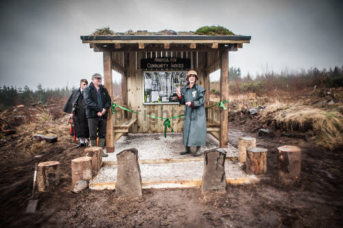 Volunteers from the Maryculter Woodland Trust at the opening of the site on Saturday 26/3/2016  In the picture  Trust Chair Ed Thorogood and Carol Kinghorn  Picture Credit Paul Mackie / HIE 2016,maryculter,woods,forest,forests,aberdeenshire community,communities,woodland