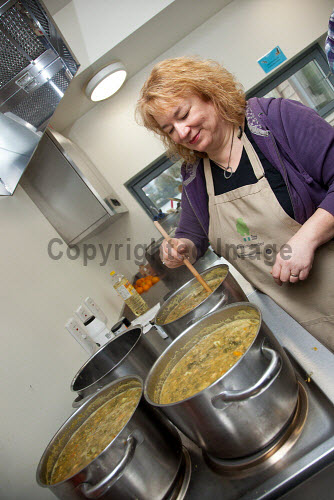 The Fife Ecology Centre, Kinghorn. 17 Feb 2016.    Cooking in the kitchen  Picture Credit Tina Norris /HIE 2016,Fife Ecology Centre,HIE,ecology,training,cooking,soup,food