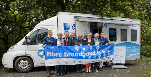 High Speed Fibre Broadband Roadshow in Taynuilt  Lesley Gallagher HIE,   Cllr Elaine Robertson, Cllr Kieron Green,  ?,  Murray Sim from Taynuilt Community Council, Cllr Julie McKenzie, ? , Robert Thorburn, Programme Manager BT   Picture Credit Tony Hardley/ HIE 2016,high,speed,fibre,broadband,bus,roadshow,digital