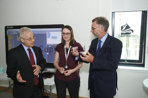 Lord Dunlop visit to Inverness Campus.  In the STEM hub  Jeff Howarth UHI, Sam Clark UHI and Lord Dunlop.  Picture Credit Ewen Weatherspoon /HIE 2016,Lord Dunlop,campus,inverness