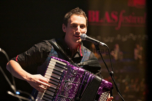 Gary Innes of Ma?nran at Eden Court, Inverness. Blas Festival.  Picture: Paul Campbell /HIE music,musician,musicians,festival,stage,2013,perform,performer,performance,traditional,sing,singer,singing,singers