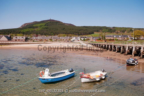 Golspie pier looking towards Ben Bhraggie , Sutherland, Highland..18th May 2010.Picture Credit: Angus Mackay / HIE summer,spring,sunny,beach,sandy,coastal,coast,scenic -