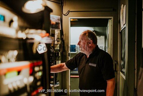 Screen Machine , Liniclate, Benbecula, Outer HebridesPictured Iain MacCollPicture Credit : Jennifer Campbell/HIE 2019,Screen Machine,cinema,communites,creative industries,film,lorry,movies,movie,island,islands,isle,isles Clickybox Photography