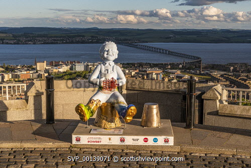 view from observatory of Dundee city - view from observatory of Dundee city With Oor Wullie installation  Editorial Use only United Kingdom,scotland,angus,dundee,urban,oor wullie,the broons,owbbt,urban art,art installation,sculpture,music culture arts,sponsorship,dc thomson,river tay,cbd,central business district,houses,port,tay estuary