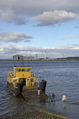 A family board The Cromarty - Nigg car ferry by foot at Cromarty, Black Isle, Highland. PIC : D BARNES/SCOTTISH VIEWPOINT Tel: +44 (0) 131 622 7174   Fax: +44 (0) 131 622 7175 E-Mail : info@scottishvi... D BARNES/SCOTTISHVIEWPOINT sunny,coast,water,transport,people,slipway