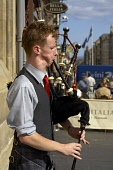 Bagpiper on the Royal Mile, Edinburgh  PIC : CRAIG BROWN/SCOTTISH VIEWPOINT  Tel: +44 (0) 131 622 7174  Fax: +44 (0) 131 622 7175  E-Mail : info@scottishviewpoint.com  WEB : www.scottishviewpoint.com... bagpiper,bagpipes,busker,cb,cultural,culture,custom,dress,edinburgh,festival,heritage,icon,international,kilt,mile,music,musician,piper,pipes,piping,play,playing,profile,royal,scotland,scots,scottish,