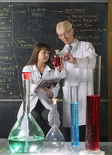 CHEMISTRY MODEL RELEASED PIC: JIM RYCE/SCOTTISH VIEWPOINT Tel: +44 (0) 131 622 7174   E-Mail : info@scottishviewpoint.com This photograph can not be used without prior permission from Scottish Viewpoi... STUDENTS,TEACHER,LEARNING,LAB,LABORATORY,EDUCATION,STUDENT