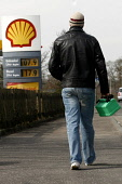 General images of on-going fuel crisis affecting Scotland.. Unions and owners of the Grangemouth oil refinery will meet with ACAS to avert a proposed strike of refinery workers, Staff  have agreed a w... Garry McHarg/SCOTTISH VIEWPOINT POLITICS,PETROL,PUMP,GARAGE