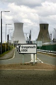 Unions and owners of the Grangemouth oil refinery will meet with ACAS to avert a proposed strike of refinery workers, Staff  have agreed a walk out this coming Sunday (27th April 08) in a dispute over... Garry McHarg/SCOTTISH VIEWPOINT POLITICS,PETROL