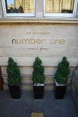 NUMBER ONE - A BAR AND FINE DINING RESTAURANT, PART OF THE BALMORAL HOTEL ON PRINCES STREET, EDINBURGH.  PIC : CHRIS ROBSON/SCOTTISH VIEWPOINT  Tel: +44 (0) 131 622 7174  Fax: +44 (0) 131 622 7175  E-Mail: info@scottishviewpoint.com  WEB: www.scottishviewpoint.com  This photograph cannot be used without prior permission from Scottish Viewpoint. CHRIS ROBSON/SCOTTISH VIEWPOINT 2008,FOOD,EATING,DRINKING,CITY