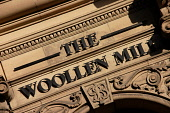 THE WOOLLEN MILL - A KNITWEAR, TEXTILE AND GIFTWARE SHOP ON THE ROYAL MILE, EDINBURGH.  PIC : NEIL SINCLAIR/SCOTTISH VIEWPOINT  Tel: +44 (0) 131 622 7174  Fax: +44 (0) 131 622 7175  E-Mail: info@scott... NEIL SINCLAIR/SCOTTISH VIEWPOINT 2008,SPECIALISED,SHOPPING,SHOP,RETAIL,OLD TOWN,CLOTHING