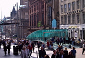 BUCHANAN STREET BUSY WITH SHOPPERS IN THE CITY CENTRE OF GLASGOW. PIC: IAIN MCLEAN/SCOTTISH VIEWPOINT Tel: +44 (0) 131 622 7174   Fax: +44 (0) 131 622 7175 E-Mail : info@scottishviewpoint.com This pho... PEOPLE,UNDERGROUND STATION,SHOPS,SHOPPING,RETAIL