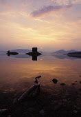 LOOKING ACROSS LOCH LAICH TO CASTLE STALKER AT SUNSET, ARGYLL. PIC: ALLAN WRIGHT/SCOTTISH VIEWPOINT Tel: +44 (0) 131 622 7174   Fax: +44 (0) 131 622 7175 E-Mail : info@scottishviewpoint.com This photo... ATMOSPHERIC,WATER,TRANQUIL,SILHOUETTE,REFLECTION,ORB,HISTORIC,HERITAGE,DRAMATIC,CALM