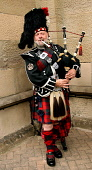 Scottish piper in full dress  PIC: GARRY MCHARG/SCOTTISH VIEWPOINT Tel: +44 (0) 131 622 7174   Fax: +44 (0) 131 622 7175 E-Mail : info@scottishviewpoint.com This photograph cannot be used without prio... GARRY MCHARG/SCOTTISH VIEWPOINT bagpipe,tartan,kilt,bagpipes
