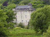 Saddell Castle stands in a picturesque setting on the south side of Saddell Bay on the Kintyre coast.  Dated 1508 and once the residence of the Bishops of Kintyre.   PIC: BOB LAWSON/SCOTTISH VIEWPOINT... SCOTLAND,GENERIC,HISTORY,HISTORICAL,HERITAGE,COAST,COASTAL