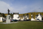 BRUAR PERTHSHIRE 51st Highland Division war memorial statue and shopping mall PIC: DOUG HOUGHTON/SCOTTISH VIEWPOINT Tel: +44 (0) 131 622 7174   Fax: +44 (0) 131 622 7175 E-Mail : info@scottishviewpoin... D HOUGHTON/SCOTTISHVIEWPOINT highlands,shopping,mall,visitor,attraction,bruar,tourism,scotland,scottish,highlander,bag,piper,monument,remembrance,commemorate,tribute,cultural,military,army,soldier,shop,arcade,complex,travel,touri