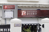 Osteria Piero, West Regent Street, Glasgow, 2007. PIC: Tina Norris/SCOTTISH VIEWPOINT� Tel: +44 (0) 131 622 7174� Fax: +44 (0) 131 622 7175� E-Mail : info@scottishviewpoint.com� WEB: http://www.scotti... Public, NMR restaurant,eating,dining,food,dine
