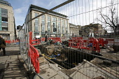 Roadworks in St. Andrews Square in Edinburgh in preparation for the introduction of trams to the city. 27 Mar 2009. Pic: Tina Norris / Scottish Viewpoint Tel: +44 (0) 131 622 7174 Fax: +44 (0) 131 622... Public SPRING,TRAFFIC,DEVELOPMENT,TRANSPORT,PROJECT,TRAMWORKS,ROADWORKS,CLOSURE,Harvey Nichols,Nics