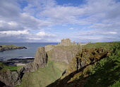 DUNNOTTAR CASTLE KINCARDINESHIRE Castle and cliff  Pic: Doug Houghton / Scottish Viewpoint Tel: +44 (0) 131 622 7174 Fax: +44 (0) 131 622 7175 E-Mail: info@scottishviewpoint.com Web: www.scottishviewp... Public kincardineshire,dunnottar,castle,historic,fortress,scotland,scottish,historical,history,fort,fortifaction,stone,building,defenses,defences,wall,walled,battlements,tourist,attraction,tourism,blue,sky,w