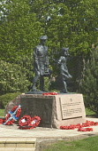 Memorial Garden PERTH PERTHSHIRE Allied force liberation of Europe monument girl meeting kilted soldier  Pic: Doug Houghton / Scottish Viewpoint Tel: +44 (0) 131 622 7174 Fax: +44 (0) 131 622 7175 E-M... Public perth,memorial,garden,liberation,europe,monument,scotland,scottish,peace,outbreak,liberty,freedom,free,nazi,military,second,world,war,ii,two,army,battles,campaign,trooper,troups,history,historical,fig