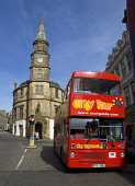 STIRLING STIRLINGSHIRE City tour red bus The Athenaeum building with William Wallace statue  Pic: Doug Houghton / Scottish Viewpoint Tel: +44 (0) 131 622 7174 Fax: +44 (0) 131 622 7175 E-Mail: info@sc... Public stirling,city,tour,red,bus,athenaeum,building,scotland,scottish,town,history,historical,clock,tower,spire,house,stone,time,timekeeping,timepiece,piece,structure,historic,heritage,council,offices,archi