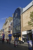 High street enterance to indoor shopping centre Kingsgate Shopping Centre DUNFERMLINE FIFE  Pic: Doug Houghton / Scottish Viewpoint Tel: +44 (0) 131 622 7174 Fax: +44 (0) 131 622 7175 E-Mail: info@sco... Public fife,dunfermline,kingsgate,shopping,centre,scotland,scottish,street,streetscape,streetscene,scene,shop,front,shopfront,window,commerce,commercial,retail,outlet,consumerism,shoppers,customers,people,ma