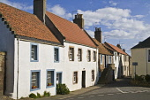 Crail traditional village houses  CRAIL FIFE  Pic: Doug Houghton / Scottish Viewpoint Tel: +44 (0) 131 622 7174 Fax: +44 (0) 131 622 7175 E-Mail: info@scottishviewpoint.com Web: www.scottishviewpoint.... Public fife,crail,harling,cladding,traditional,houses,fifeshire,shire,kingdom,east,neuk,coast,scotland,scottish,building,front,frontage,built,buildings,outdoors,exteriors,outsides,village,community,settlemen