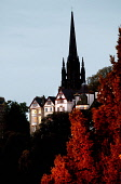 LOOKING OVER TO RAMSAY GARDEN AND THE SPIRE OF TOLBOOTH OF ST. JOHN (THE HUB), EDINBURGH. PIC: P.DODDS /SCOTTISH VIEWPOINT Tel: +44 (0) 131 622 7174   Fax: +44 (0) 131 622 7175 E-Mail : info@scottishv... Public, NMR ARCHITECTURE,SUNNY,SCOTLAND,BUILDING,AUTUMNAL COLOURS,AUTUMN