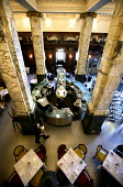 LOOKING DOWN OVER THE BAR AREA OF THE NORTH BRIDGE BRASSERIE OF THE SCOTSMAN HOTEL, IN THE CITY CENTRE OF EDINBURGH. PIC: P.DODDS /SCOTTISH VIEWPOINT Tel: +44 (0) 131 622 7174   Fax: +44 (0) 131 622 7... Public, NMR DINING,TABLES,SCOTLAND,PILLARS,MARBLE,INTERIOR,DRINKING