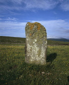 Borvemore (Buirgh Mh�r) Standing Stone situated a short distance from the sea on South Harris near to Scarista, Outer Hebrides.  Pic: Ian Macrae Young / Scottish Viewpoint Tel: +44 (0) 131 622 7174 Fa... prehistoric,lichen,heritage,isle,western isles,summer,sunny