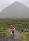 The Glamaig Hill Race, Isle of Skye.  Pic: Marcus McAdam / Scottish Viewpoint Tel: 0044 (0) 131 622 7174 Fax:0044 (0) 131 622 7175 E-Mail: info@scottishviewpoint.com Web: www.scottishviewpoint.com Thi... Public, NMR Annual,Athletes,Athletics,Competitors,Cuillins,Glamaig,Highlands,Hill Race,Isle of Skye,Mountain,Red Cuillins,Runners,Running,Sligachan,Start,Tradition,Traditional