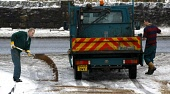 Roads being gritted, Glasgow Pic: Garry F McHarg / Scottish Viewpoint Tel: +44 (0) 131 622 7174 Fax: +44 (0) 131 622 7176 E-Mail: info@scottishviewpoint.com Web: www.scottishviewpoint.com This picture... Public, NMR winter,gritting,weather,bad,travel,road,roads,grit,salt,snow,gritters