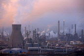Oil Refineries at dusk, Grangemouth, Falkirk District. PICTURE CREDIT: Ian Paterson / Scottish Viewpoint TEL: +44 (0) 131 622 7174 FAX: +44 (0) 131 622 7175 E-MAIL: info@scottishviewpoint.com WEB: www... Public, NMR industry,energy,petrochemical,pollution,fuel,bp,british petroleum,industrial,refinery,pollute,atmospheric