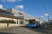 Stagecoach bus and Kingsgate Shopping Centre  DUNFERMLINE FIFE  Picture Credit: Doug Houghton / Scottish Viewpoint Tel: +44 (0) 131 622 7174   Fax: +44 (0) 131 622 7175 E-Mail : info@scottishviewpoint... Public stagecoach,bus,shopping,centre,dunfermline,fife,scottish,buses,scotland,kingsgate,singledeck,singledecker,single,decker,coach,deckers,coaches,town,streets,people,towns,street,life,streetlife,person,br