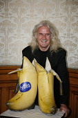 20.8.10 Glasgow Council, Scotland. Billy Connolly was today welcomed to Glasgow City Chambers today be Lord Provost Bob Winter to receive his the freedom of the city. Pictured here Billy Connolly with... Public, NMR 2010,event,celebrity,comedian,council