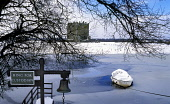 Threave Castle in snow, Dumfries and Galloway. Picture Credit: Allan Wright / Scottish Viewpoint Tel: +44 (0) 131 622 7174   Fax: +44 (0) 131 622 7175 E-Mail : info@scottishviewpoint.com This photogra... Public 1370,14th century,ancient,Archibald Douglas,archibald the grim,atmospheric,beautiful,bell,black douglas,blue,blue sky,boat,castle,castle douglas,clear,cold,comical,crisp,Dumfries & Galloway,ferry,free