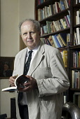 Scottish author Alexander McCall Smith at his home in Edinburgh. Pic: Gary Doak / Scottish Viewpoint  Tel: +44 (0) 131 622 7174  Fax: +44 (0) 131 622 7175  E-Mail : info@scottishviewpoint.com  Web: ww... Public, NMR writer,novelist,The No.1 Ladies Detective Agency,study,books,book
