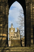 Sir Walter Scotts Memorial statue monument and Balmoral Hotel clock tower Walter Scott monument PRINCES ST GARDENS EDINBURGH Picture Credit: Doug Houghton / Scottish Viewpoint Tel: +44 (0) 131 622 717... Public walter,scott,monument,edinburgh,historic,statue,sir,scotts,memorial,balmoral,hotel,clock,tower,princes,st,gardens,victorian,scotland,19th,century,buildings,architecture,historical,history,old,heritage