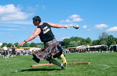 The Weight for Distance competition at a Scottish Highland Games. Picture Credit : Jason Baxter / Scottish Viewpoint Tel: +44 (0) 131 622 7174   Fax: +44 (0) 131 622 7175 E-Mail : info@scottishviewpoi... Public summer,sunny,heavyweight,heavyweights,heavy,event,sport,compete,strength,power,agility,strong,strongest,man,tradition,traditional,cultural,tourism,kilt,tartan